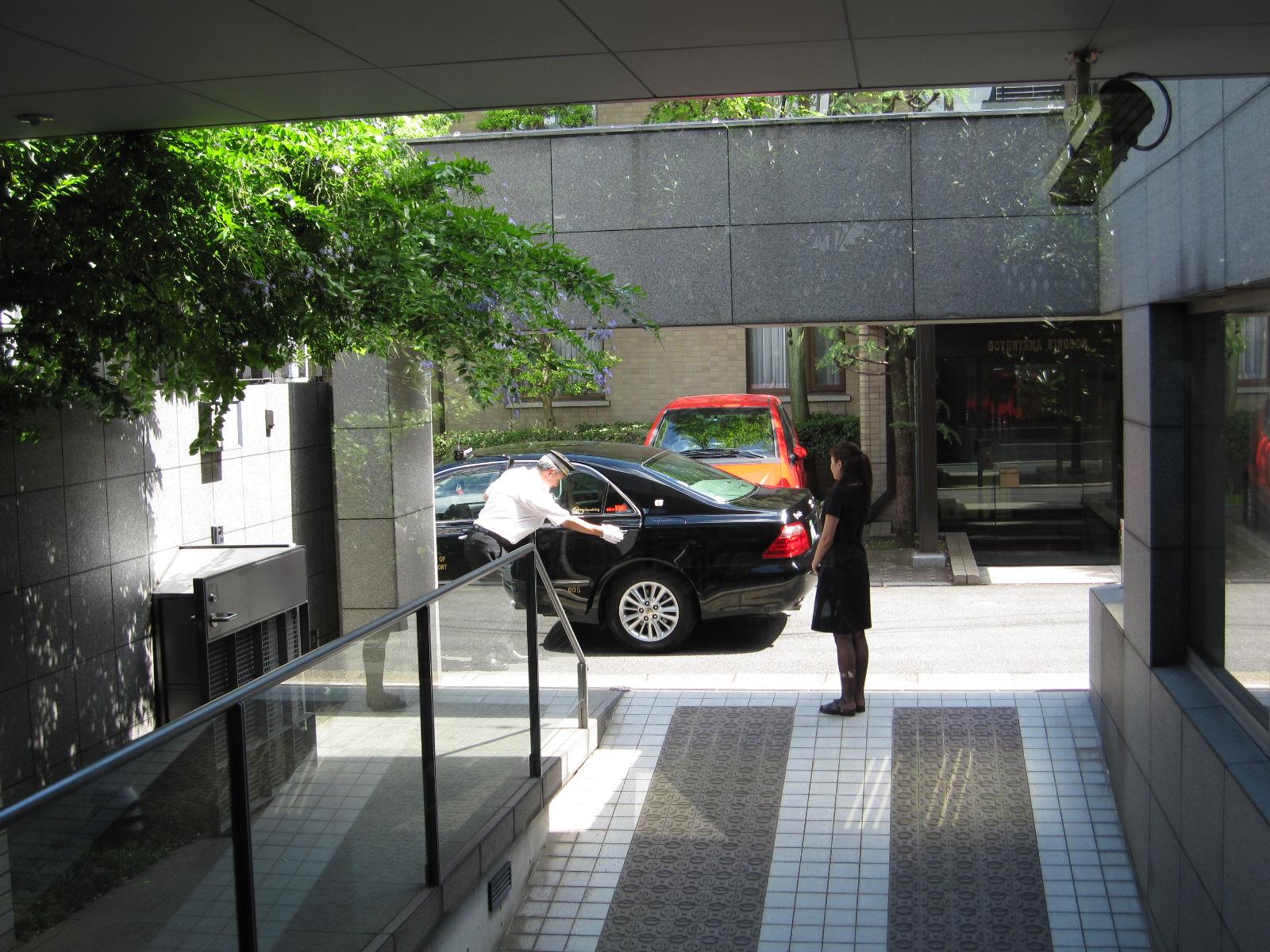 タクシー送迎.JPG